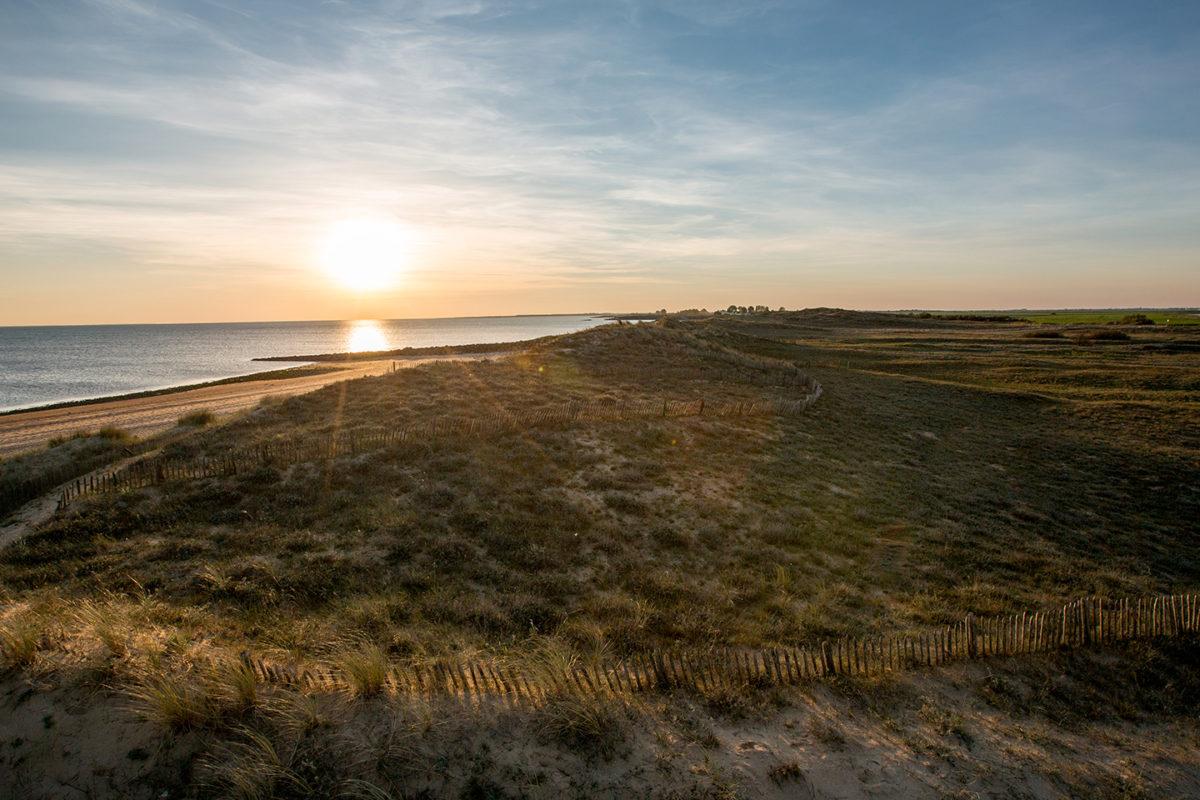 Coucher de soleil sur les plages de la Pointe de l'Aiguillon