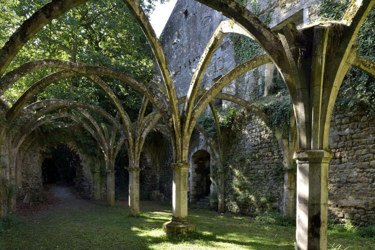 Abbaye royale de Saint-Michel-en-l'Herm