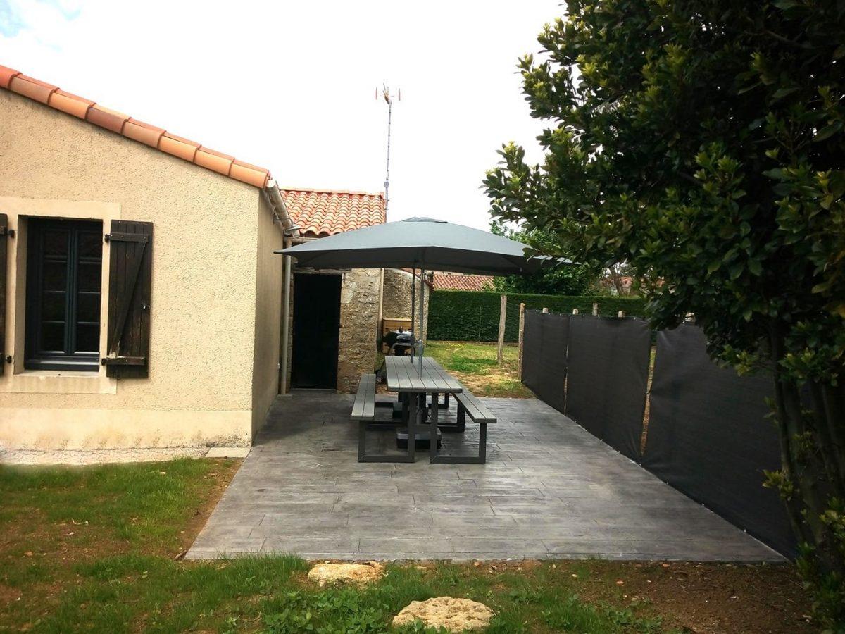 le gite de l'Échaudi – La Réorthe – La terrasse