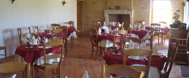 Interieur-salle-restaurant-la-mere-elotine