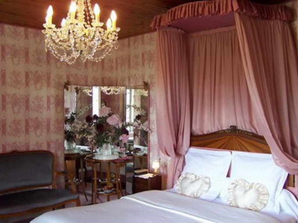 chambre-junior-suite-n°1-chateu-de-l-abbaye-moreilles-85-hlo-1