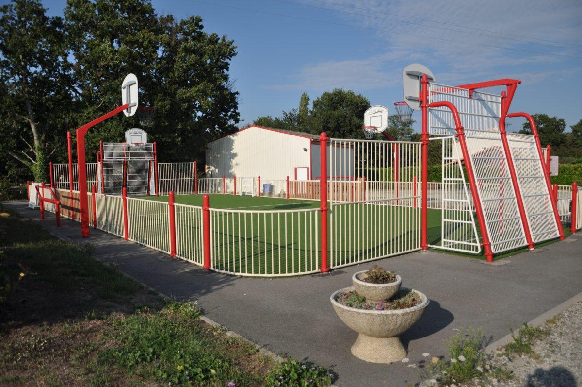 City stade Les Pineaux