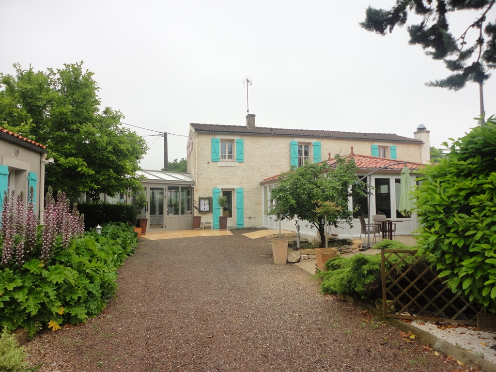 Hebergement-Sud-Vendee-Office-de-tourisme-Pays-de-lucon-ne-de-la-mer-Au-Fil-des-Saisons-Hôtel-Lucon(6)