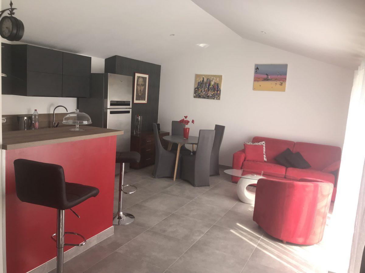 Salon – MEUBLÉ AU FIL DU TEMPS – SAINTE-GEMME-LA-PLAINE 85