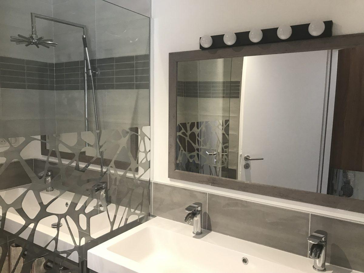 Salle d'eau – MEUBLÉ AU FIL DU TEMPS – SAINTE-GEMME-LA-PLAINE 85