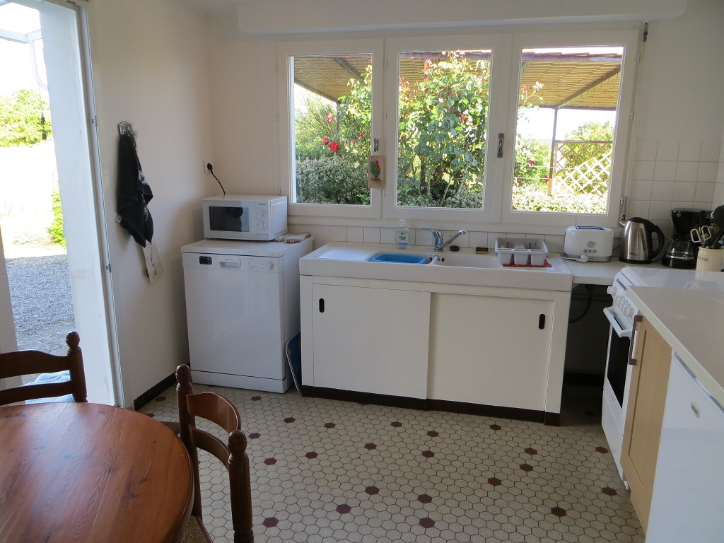 Kitchen_gite_du_moulin_saint_michel_en_lherm_sud_vendee_littoral