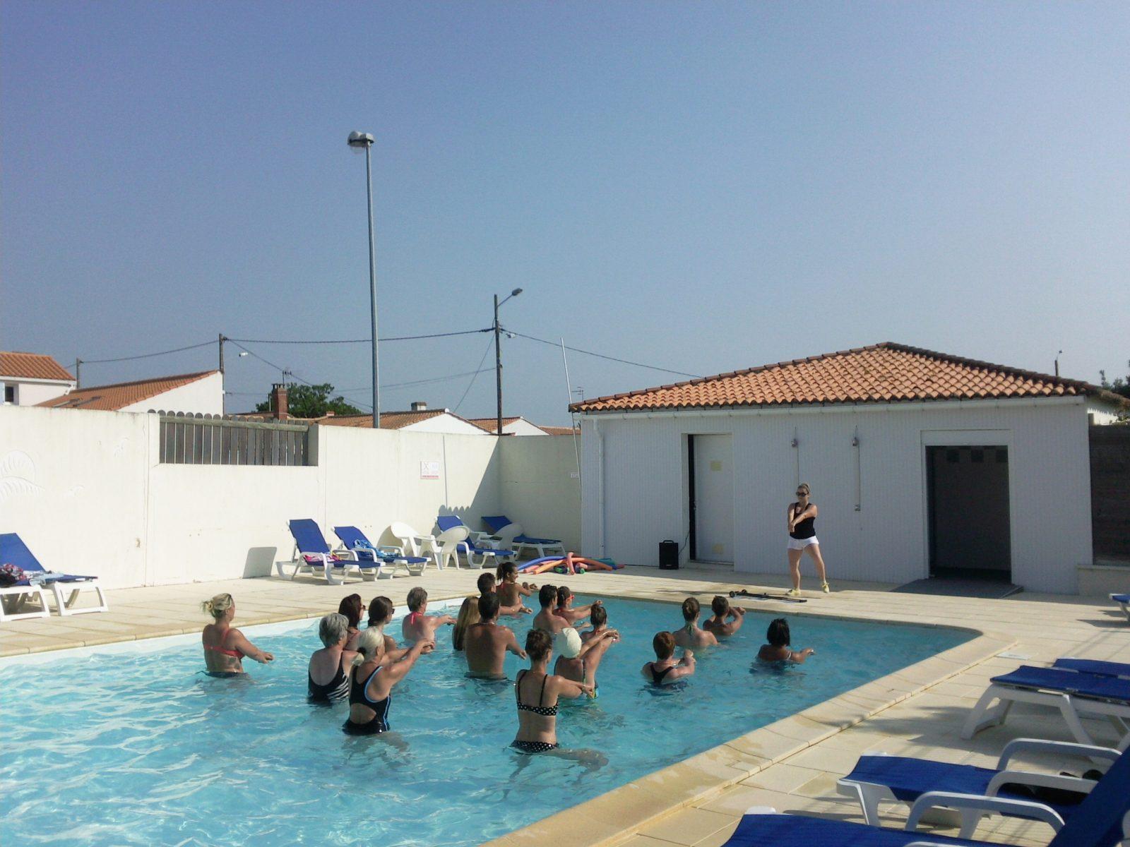 camping-la-baie-l-aiguillon-sur-mer-85-hpa piscine