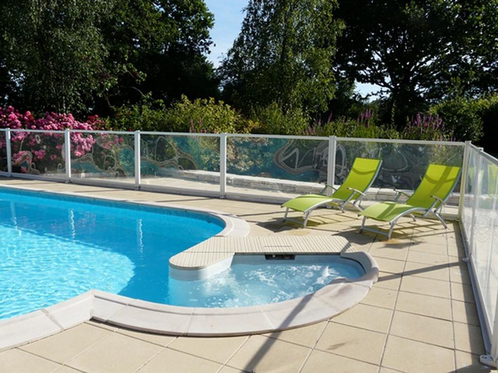 gîte Rustique – piscine extérieure