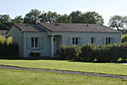 location-de-vacances-les-tounesols-la-caillere-1