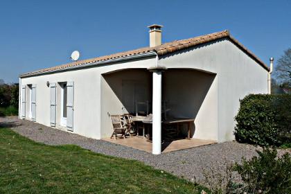 location-de-vacances-les-tounesols-la-caillere-2