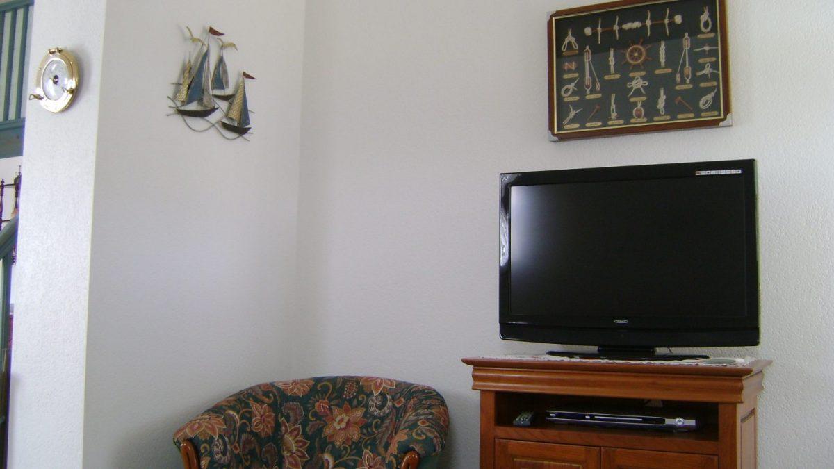 Meublé NATMARIAN-Grues Télé salon