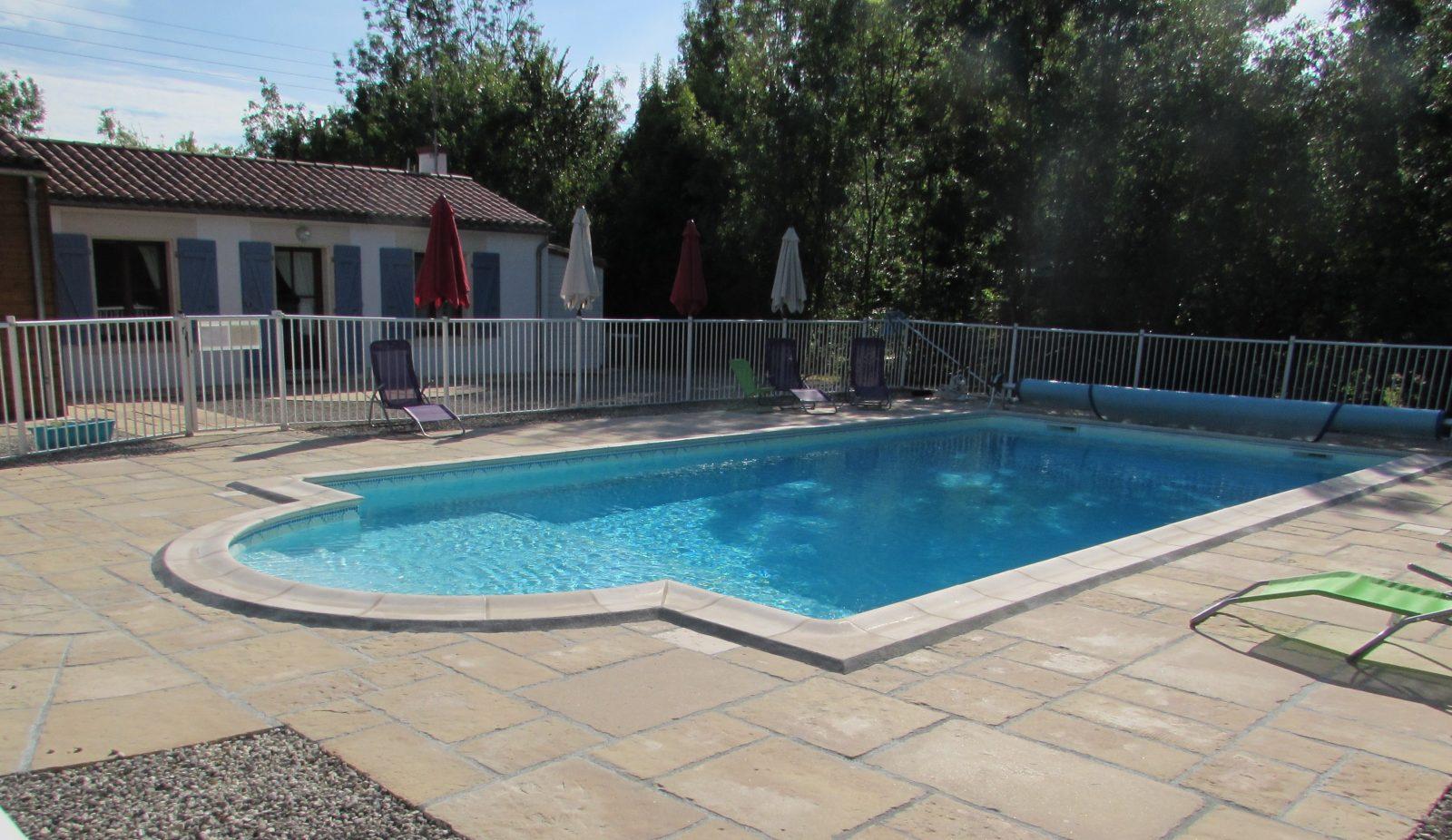 meuble-nenuphar-piscine-nalliers-85-hlo-1