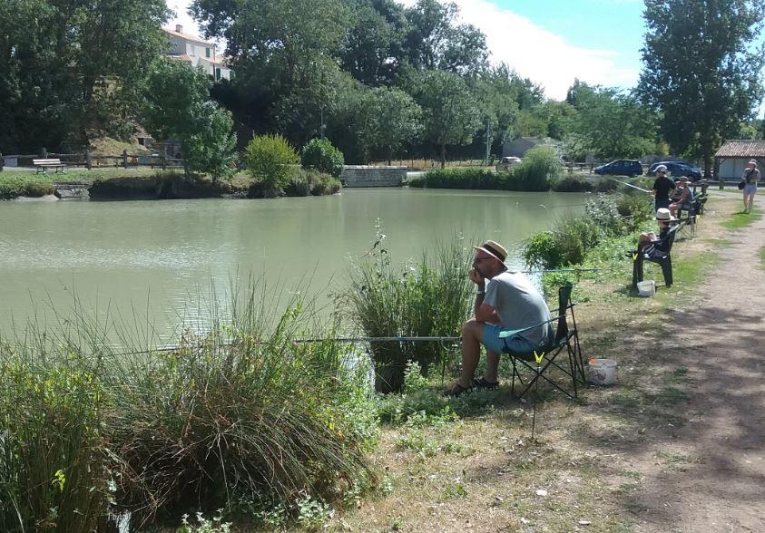 pêcheurs – etang de pêche de la Fontaine
