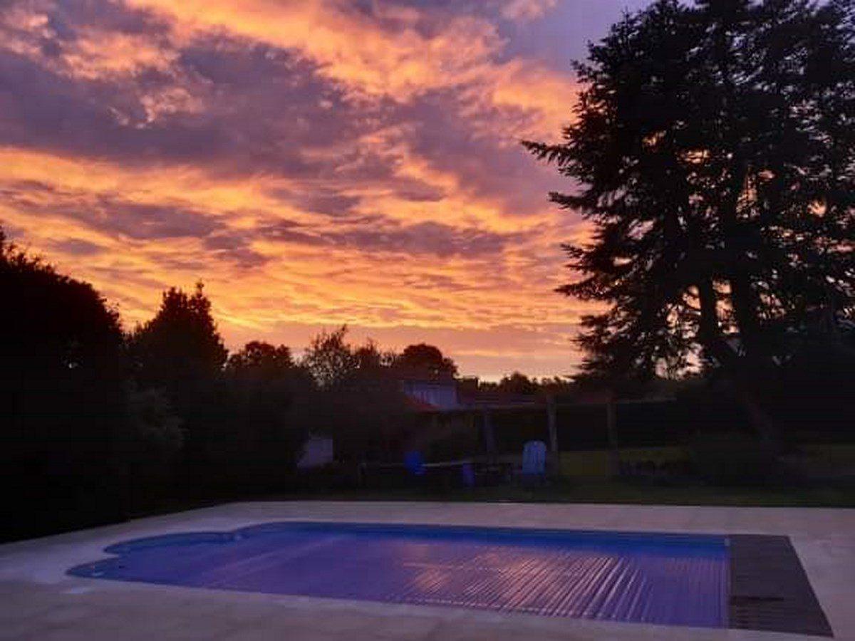 Olifaniere-la réorthe-piscine-soir