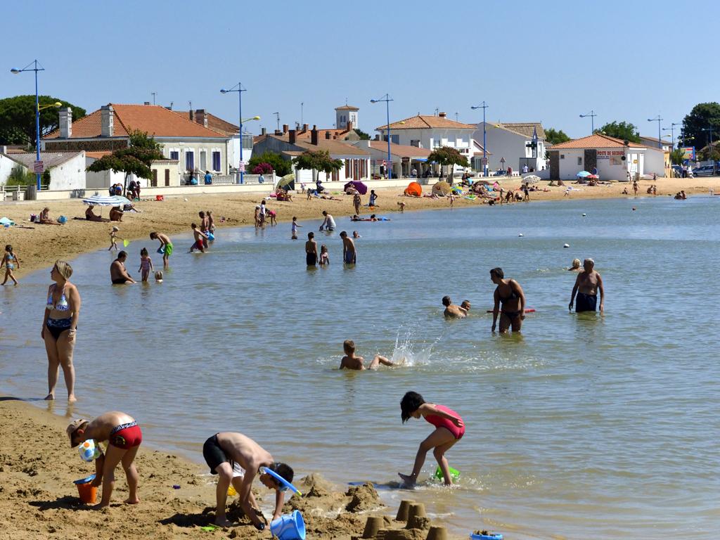 plage-du-plan-d-eau-l-aiguillon-sur-mer-85-pna-1
